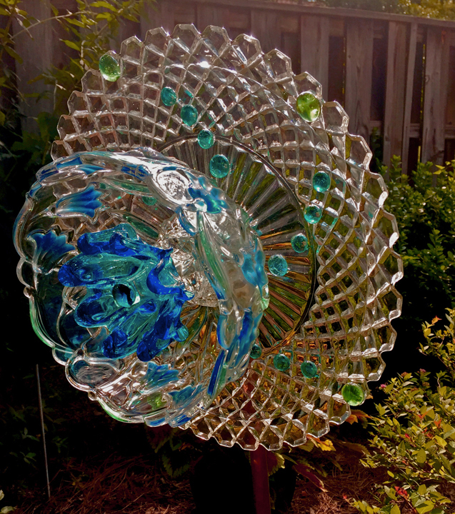 Shiny Happy Flower glass sculpture by Asheville artist Susan Sinyai
